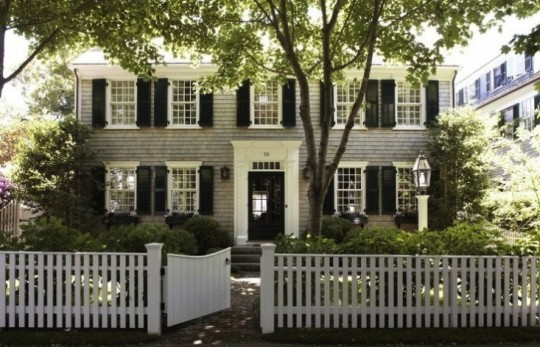 house white picket fence